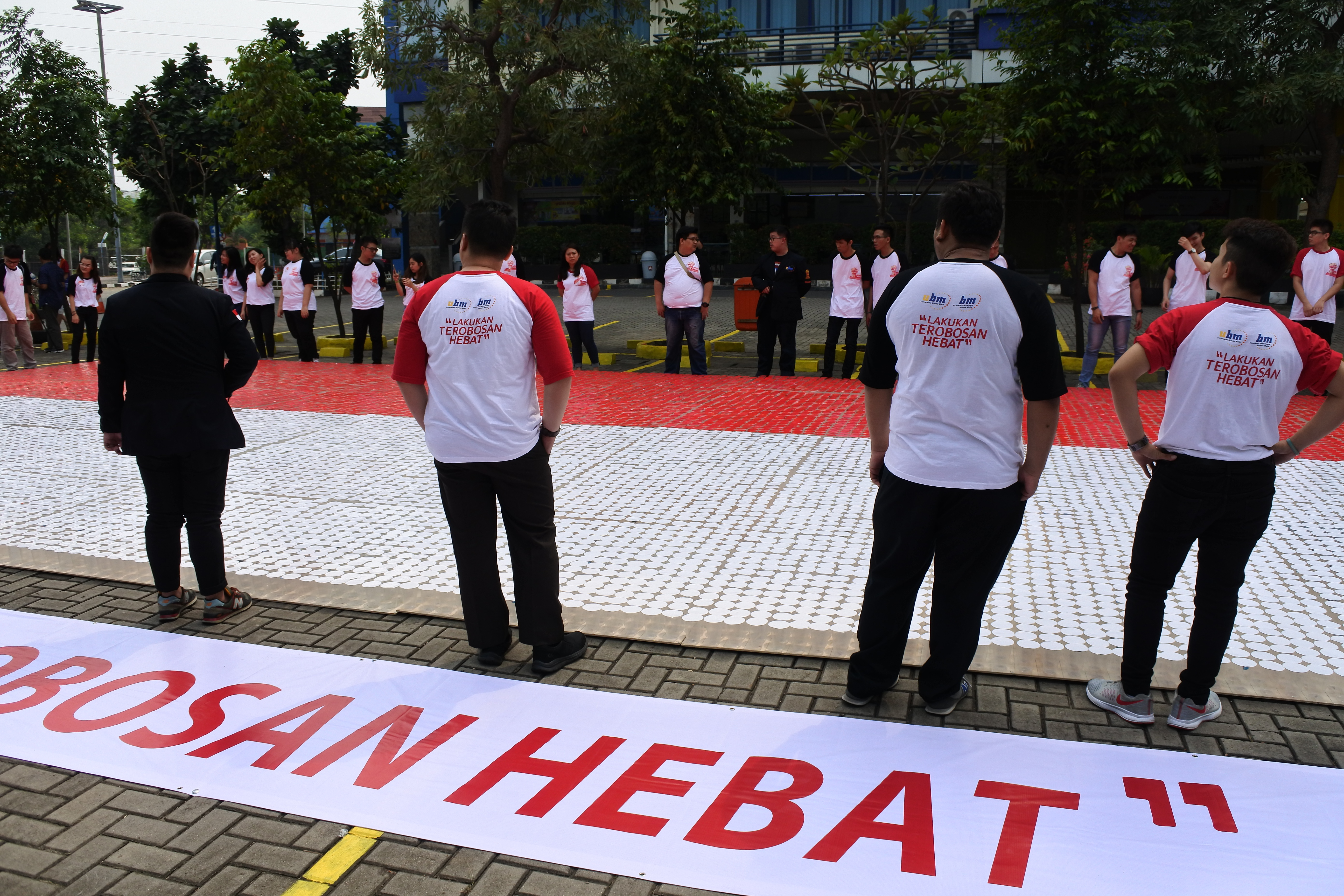 UBM Welcoming Freshmen 2017 & Pemecahan Rekor Muri : Lakukan Terobosan Hebat!