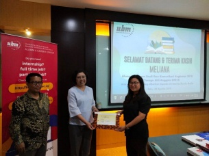 Ceremony Donasi Buku dari Alumni